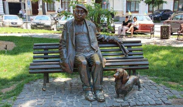 Памятник Миколі Яковченку в Києві