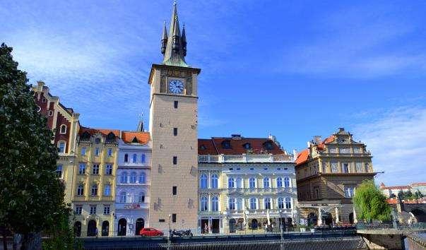 Староміська водонапірна башта і місток Новотного