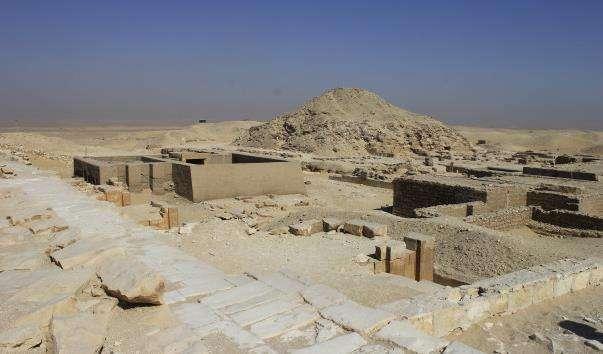 Піраміда Унаса