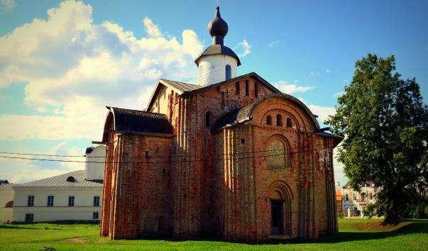 Церква Параскеви-Пятниці на торгу