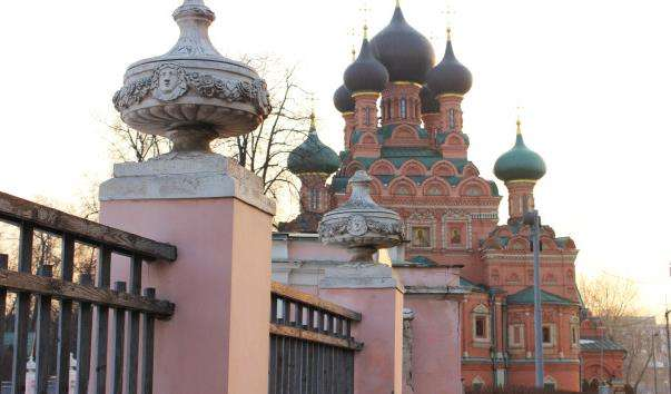 Церква Живоначальної Трійці в Останкіно