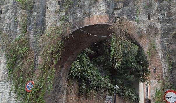 Фортечні стіни Пізи