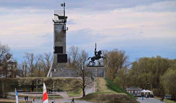 Монумент Перемоги у Великому Новгороді