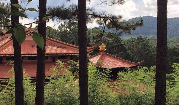 Пагода Тьєн Вьен Чук Лам