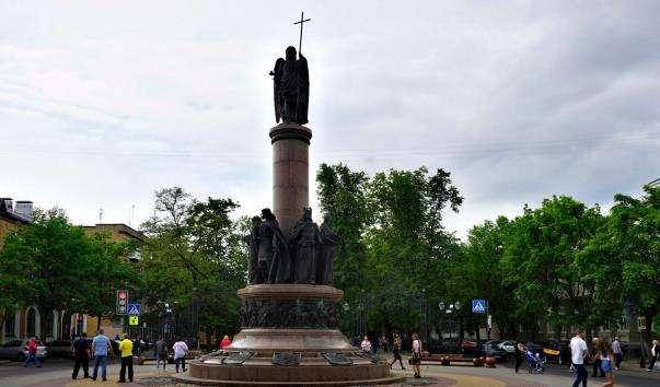 Памятник 1000-річчя р. Бреста