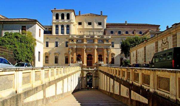 Палац Барберіні