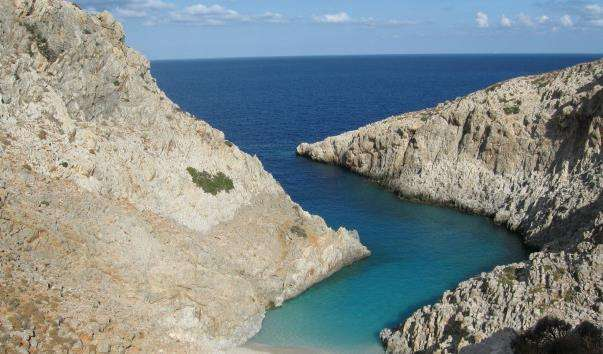 Бухта Ризосклоко – пляж Чортова гавань