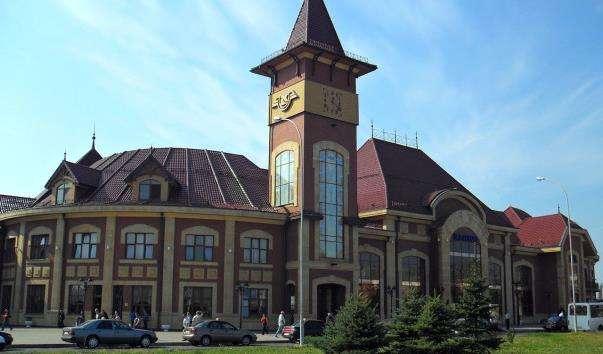 Будівля залізничного вокзалу