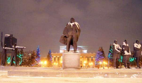 Монументальна композиція на площі Леніна