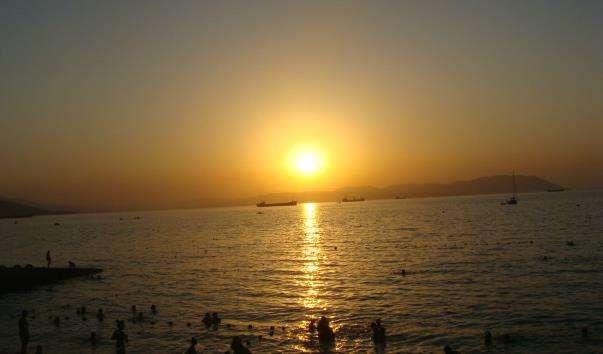 Центральний пляж Кабардинки