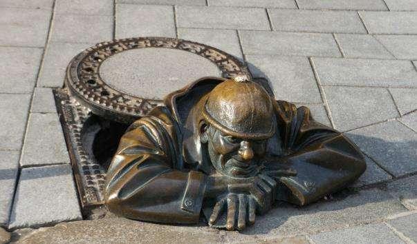 Памятник сантехніку Чуміл