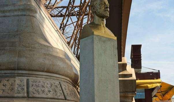 Памятник Ейфелю