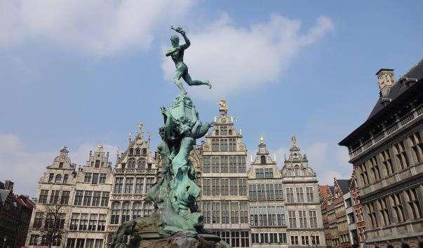 Фонтан Брабо в Антверпені
