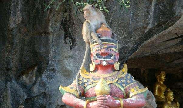 Буддійський монастир у Канчанабурі