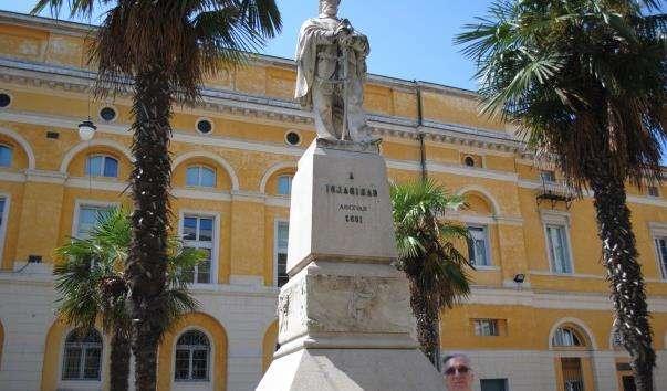 Памятник Джузеппе Гарібальді