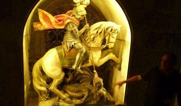 Статуя Георгія Побідоносця