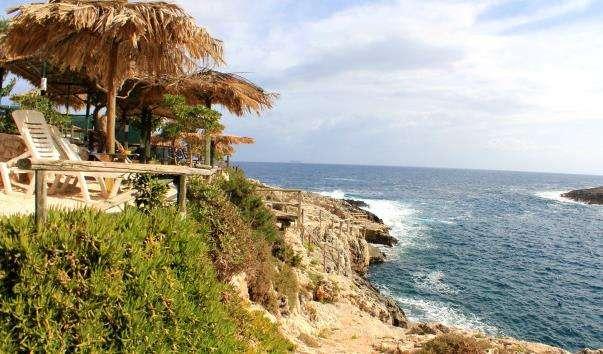Пляж Porto Limnionas