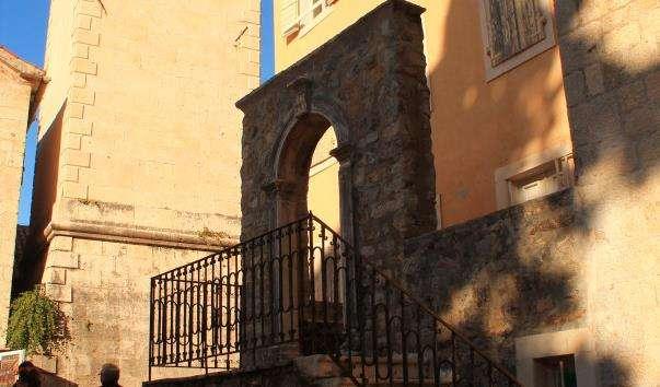 Дзвіниця церкви святого Іоанна