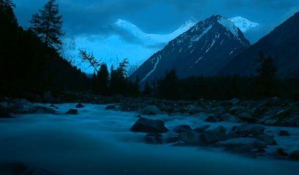 Гора Білуха