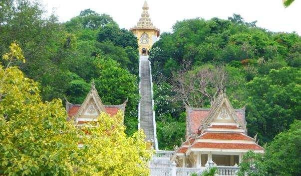 Каплиця, де зберігається «Слід Будди»
