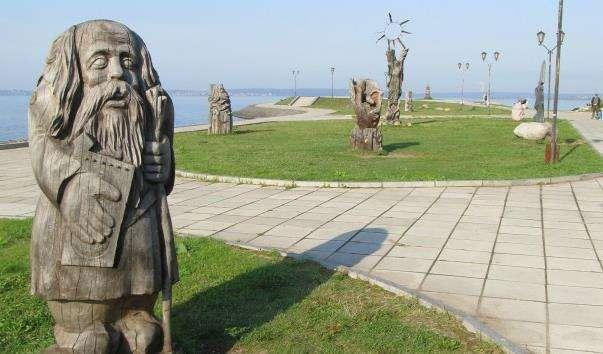 Парк деревяних скульптур в Петрозаводську