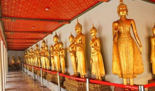 Храм Великої Реліквії - Ват Махатхат