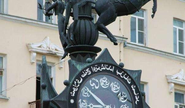 Годинник на вулиці Баумана в Казані