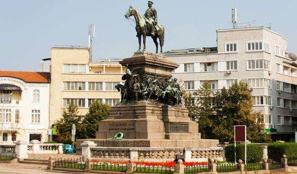 Памятник Царю-визволителю