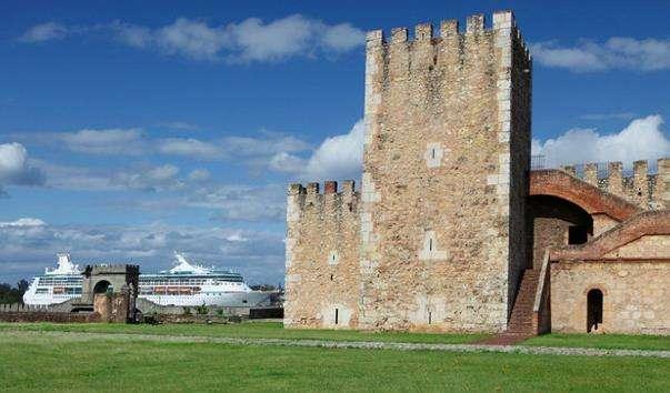 Фортеця Осама і вежа Торре-дель-Оменахе
