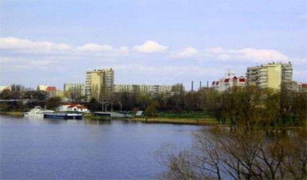 Набережна річки Мухавець