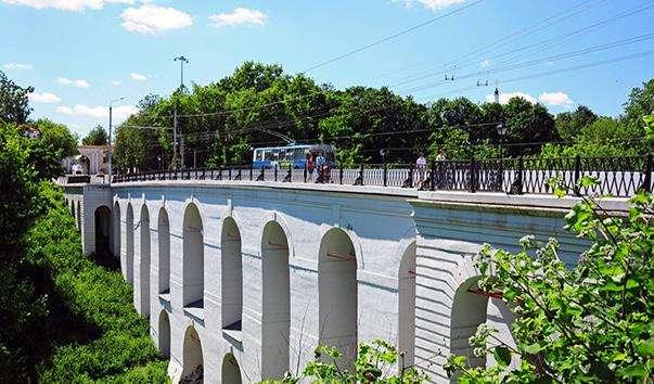 Камяний міст в Калузі