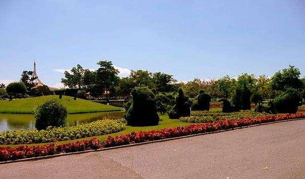 Королівський парк Suan Luang