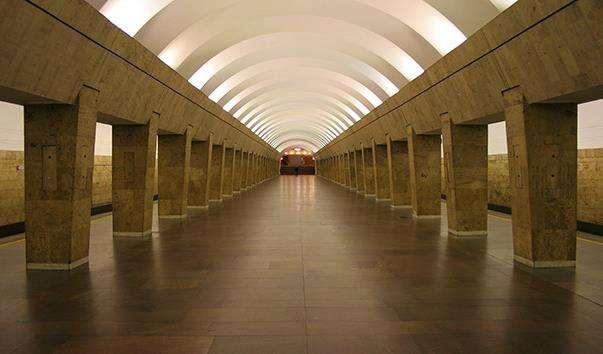 Станція метро Виборзька
