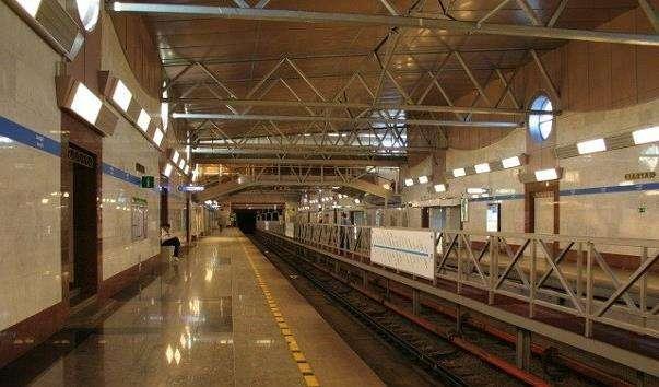 Станція метро Парнас