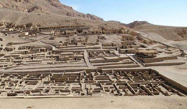 Стародавнє поселення Долина ремісників Дейр-ель-Медіна