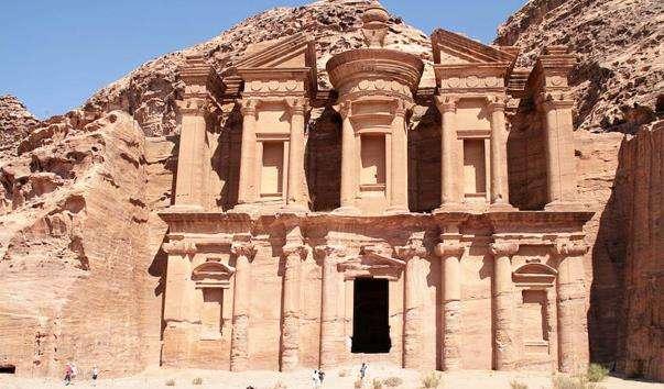 Монастир Al Deir