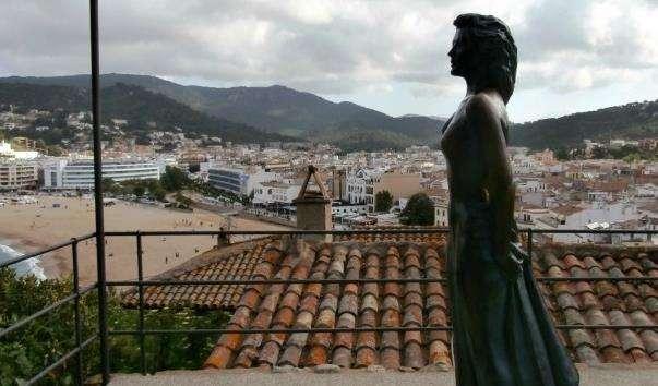 Статуя Ави Гарднер