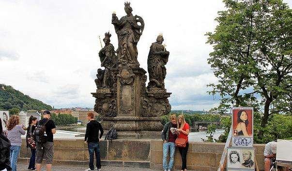 Скульптурна група «Св. Варвара, Св. Маргарита і Св. Єлизавета»