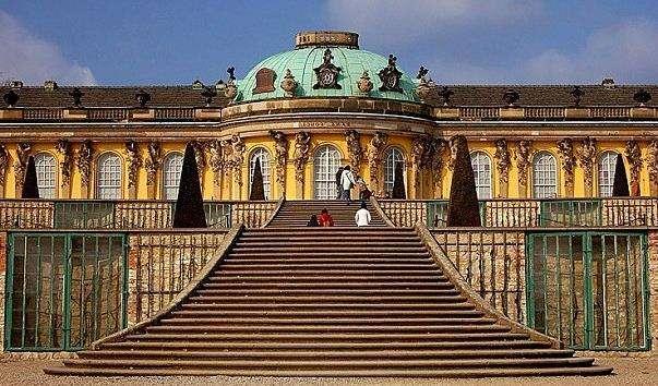 Палац Сан-Сусі