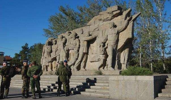 Композиція Память поколінь у Волгограді