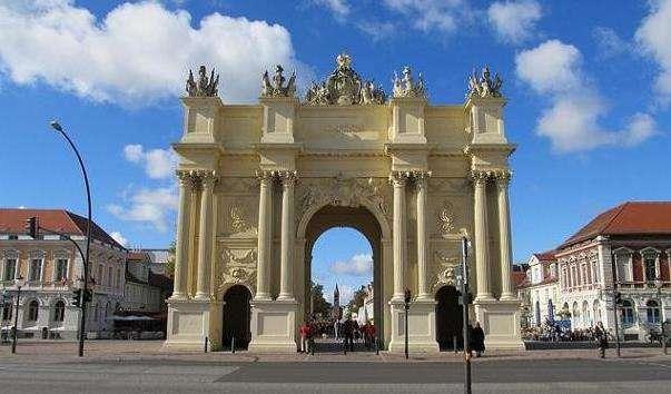 Бранденбурзькі ворота в Потсдамі